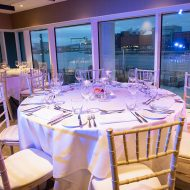 Presentable table arrangements with the bay watch